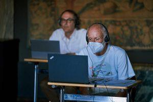 Teilnehmer*innen im Alten Atelier der Villa Stuck beim Esperanto-Kurs mit Künstler und Aktivist Parzival'